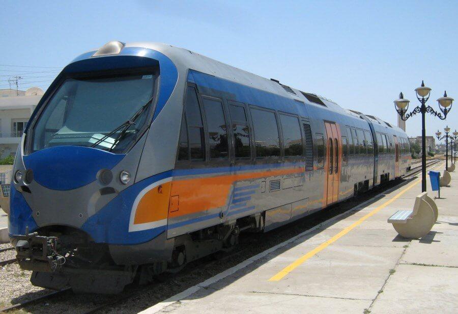 Tren-en-Túnez
