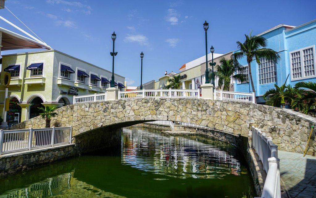 cancun-mexico-puente