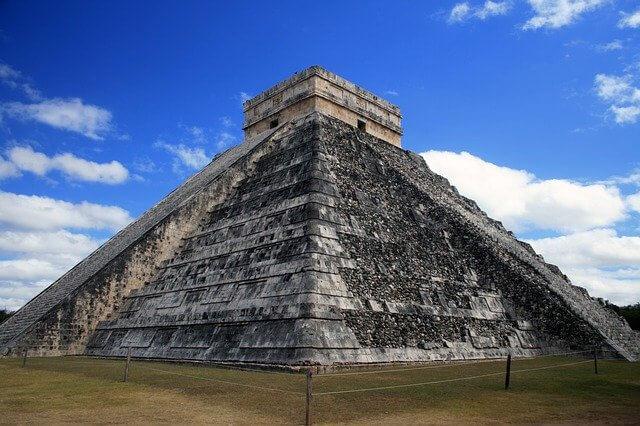pyramide-maya-mexicano